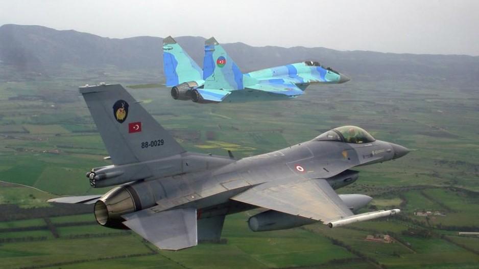 Tiêm kích MiG-29 Azerbaijan và F-16 Thổ Nhĩ Kỳ cùng hợp luyện trọng cuộc tập trận mới đây.