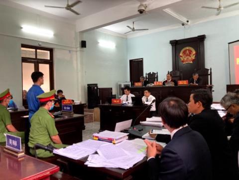 Quang cảnh phiên tòa xét xử bị cáo Phương.