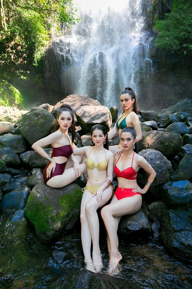 Thác Lưu Ly cách thành phố Gia Nghĩa khoảng 30km, nằm trên cung đường check-in đẹp mê mẩn với các cánh rừng xanh bạt ngàn, đi qua Thiền viện Trúc Lâm Đại Nguyên và nằm trong Khu bảo tồn thiên nhiên Nâm Nung.