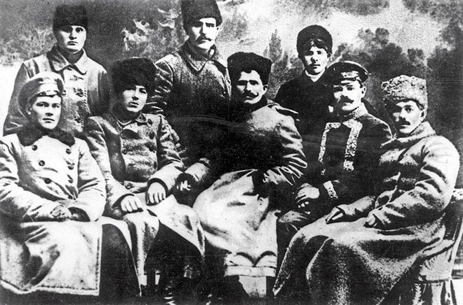 Vasily Chapayev và những người chỉ huy Hồng quân. Ảnh: Sputnik