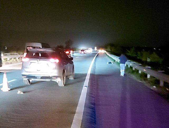 Hiện trường vụ tai nạn thương tâm trên cao tốc Nội Bài - Lào Cai.