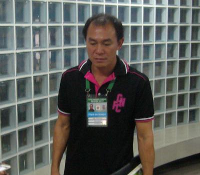 HLV Thawatchai Damrong-Ongtraku là người sẵn sàng sang Việt Nam nếu được mời, theo Kiatisuk.