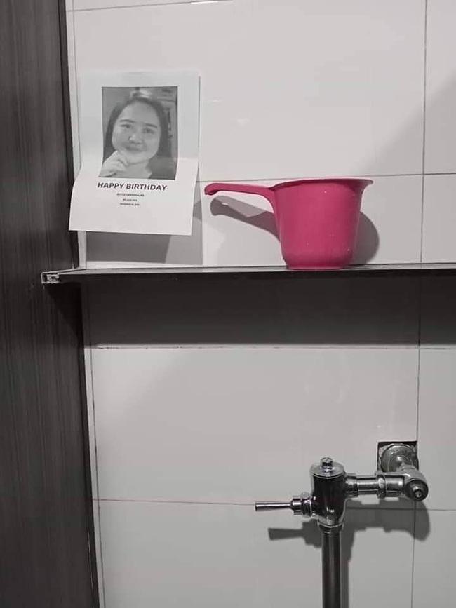 Thậm chí là cả....nhà vệ sinh!