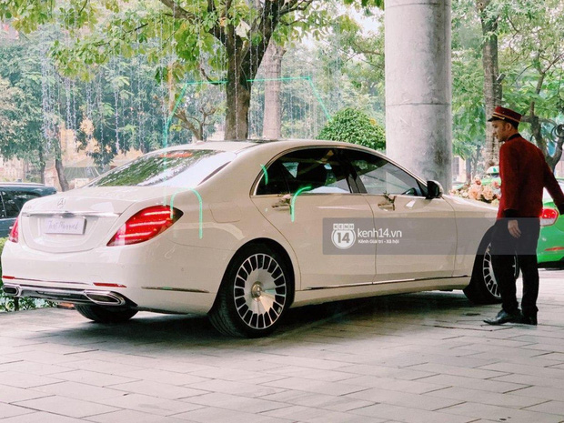 Được biết đây là chiếc xe có giá tới 7,4 tỷ đồng