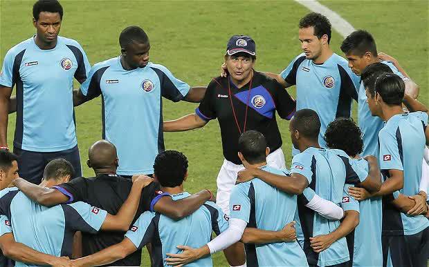 HLV Luis Pinto cùng ĐTQG Costa Rica tại VCK World Cup 2014.
