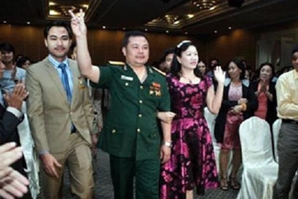 Hình ảnh Lê Xuân Giang xuất hiện tại các đại hội hoa hồng khiến nhiều người lầm tưởng đây là công ty của Bộ Quốc phòng