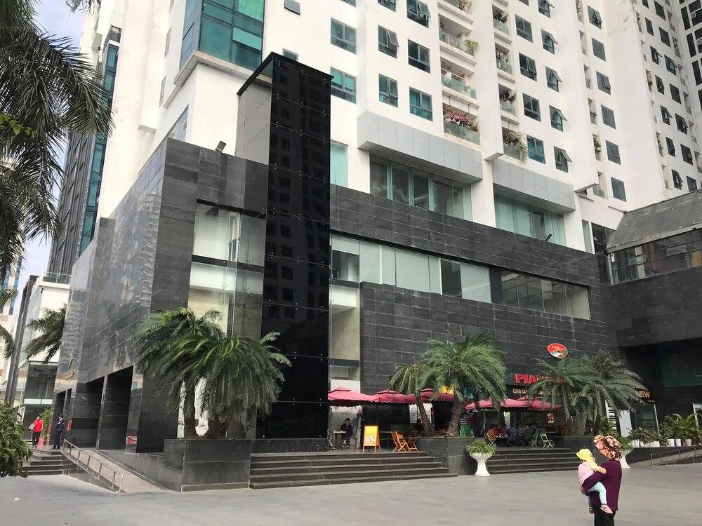 Tòa nhà nơi xảy ra vụ rơi thang máy.