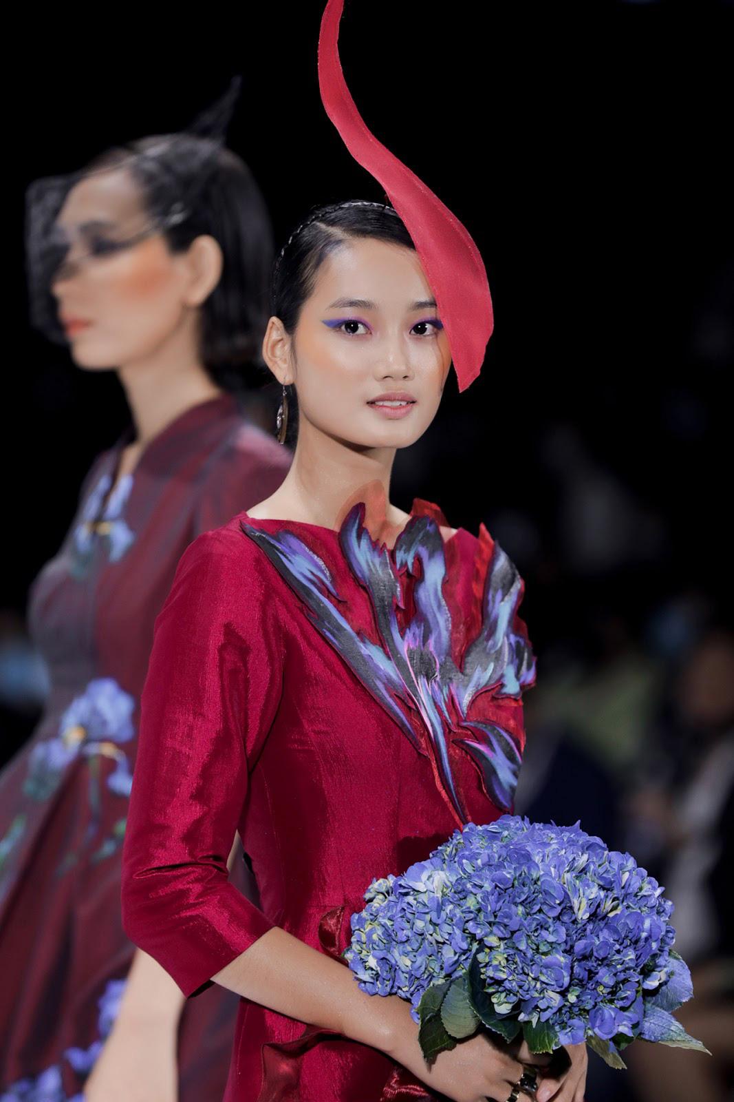 Mỹ miều và kiêu sa, Quỳnh Anh - Á quân The Face Vietnam 2018 hóa thân thành 'nàng thơ' trang nhã, yểu điệu và thanh tao trong bộ áo dài cách điệu thướt tha được đầu tư công phu và lộng lẫy nhất
