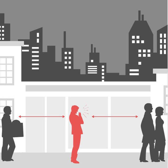 Người dân chỉ nên ra đường trong những trường hợp cần thiết và giữ khoảng cách tối thiểu 2m khi giao tiếp.
