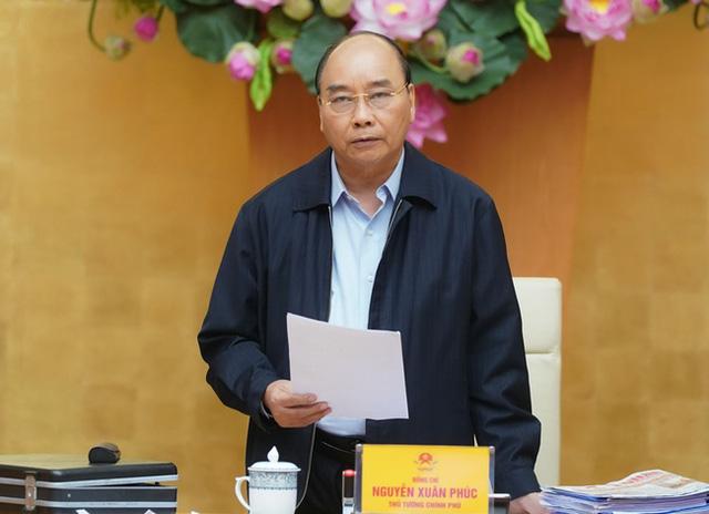 Vào trưa ngày 31/3, Thủ tướng Nguyễn Xuân Phúc chính thức ban hành chỉ thị 16 về thực hiện các biện pháp cấp bách phòng chống dịch Covid-19.
