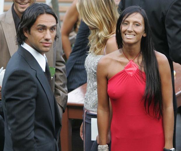 Nesta đã lựa chọn ở bên Gabriella cả đời vào năm 1998.