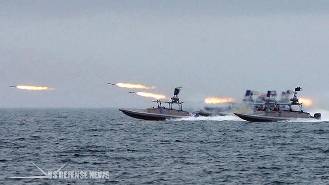 Tàu tấn công cao tốc Iran khai hỏa pháo phản lực 107mm.