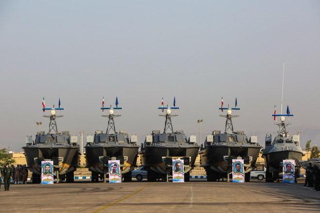 112 tàu tấn công nhanh Hải quân Iran vừa nhận
