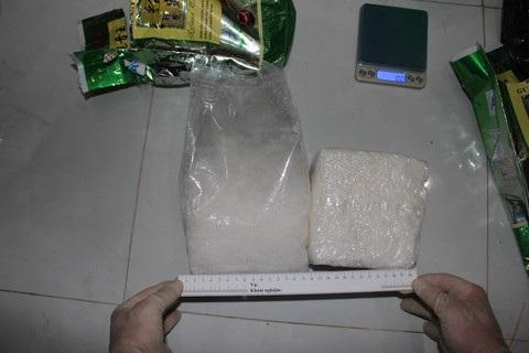 2 kg ma túy đá Kiểu khai vận chuyển thuê cho Hạnh