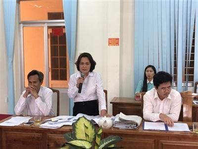 Bà Phạm Thị Bích Thủy, Chánh án TAND tỉnh Bình Phước, trả lời tại cuộc họp báo
