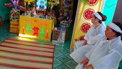 Sáng 31/5, gia đình đưa linh cữu ông Lương Hữu Phước về an táng tại quê nhà. Ảnh: Báo Giao thông