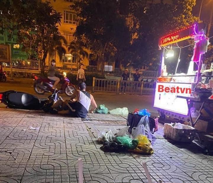 Những hình ảnh cặp đôi thị phi Lương Bằng Quang - Ngân 98 bị đánh ngã 'sấp mặt'.
