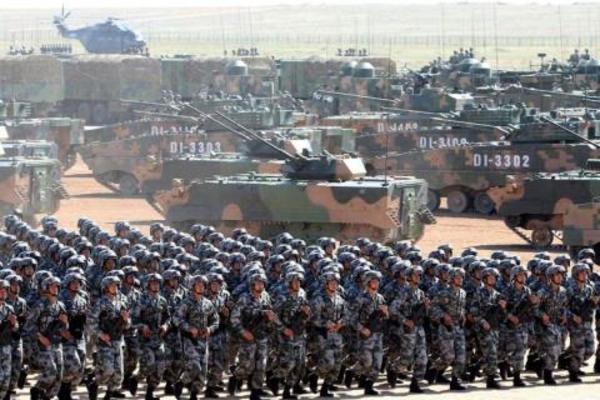 Quân đội Trung Quốc luôn sẵn sàng đối phó với âm mưu 'Đài Loan độc lập'. Nguồn: Sina.