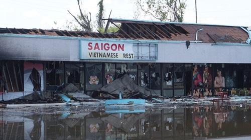 Nhà hàng Saigon Bay ở Tampa, Mỹ chỉ còn lại đống đổ nát sau khi bị thiêu rụi giữa làn sóng biểu tình. Ảnh: Tampa Bay News