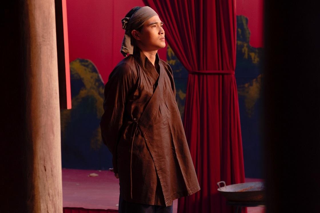 Nam diễn viên Quang Sự vào vai Hai Tân.