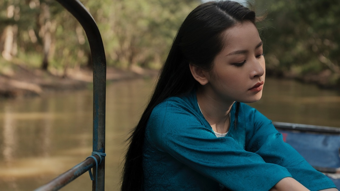 Tạo hình của Chi Pu trong MV mới.
