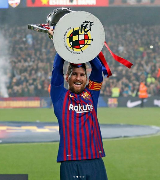 Messi là huyền thoại sống của Barca