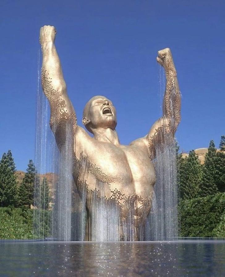 Chỉ là bức tượng mà có cần phải đẹp thế này không?