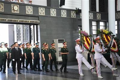 Đoàn Bộ Quốc phòng vào viếng