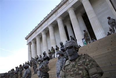 Ngoài ra, lực lượng quân đội cũng được huy động tại Nhà tưởng niệm Lincoln