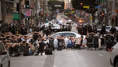 Hàng trăm người đã bị bắt giữ ở Los Angeles, bang California vào tối nay