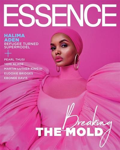 Không chỉ có Dakota Johnson, nàng mẫu gốc Kenya - Halima Aden cũng từng khoác lên mình bộ đầm hồng của Công Trí, xuất hiện đầy kiêu hãnh trên bìa tạp chí Essence số tháng 2/2020.