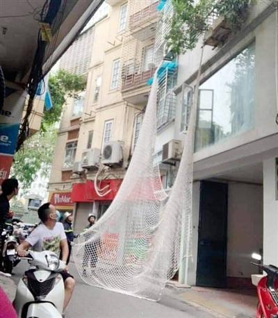 Công an giăng lưới bắt kẻ trốn truy nã nguy hiểm.