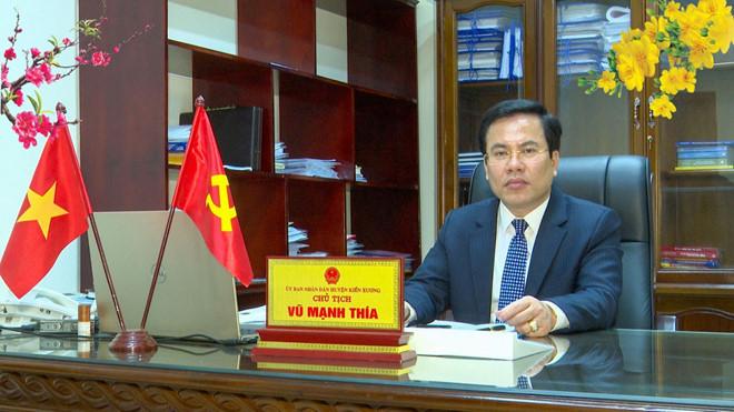 Ông Nguyễn Minh Thía, chủ tịch UBND huyện Kiến Xương có vợ bị khởi tố, bắt tạm giam liên quan tới vụ Nguyễn Xuân Đường đã được điều động sang làm nhiệm vụ khác theo Quy định 102 của Bộ Chính trị