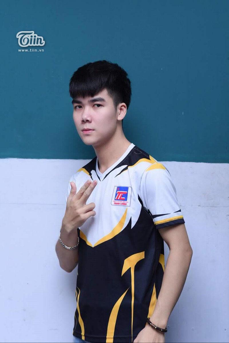 Ben Hồ, chàng streamer trẻ tuổi điển trai của tựa game Liên Quân Mobile.