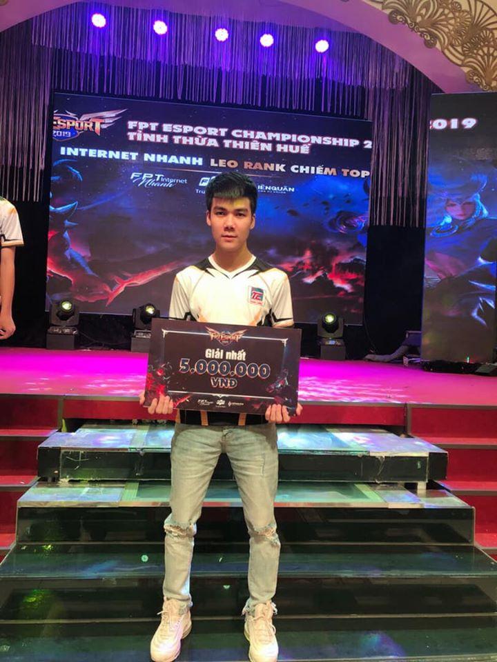 Streamer Ben Hồ vô địch Fpt Esport Huế - Đà Nẵng.