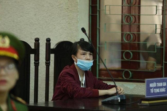 Con gái cả của bị cáo Trần Thị Hiền