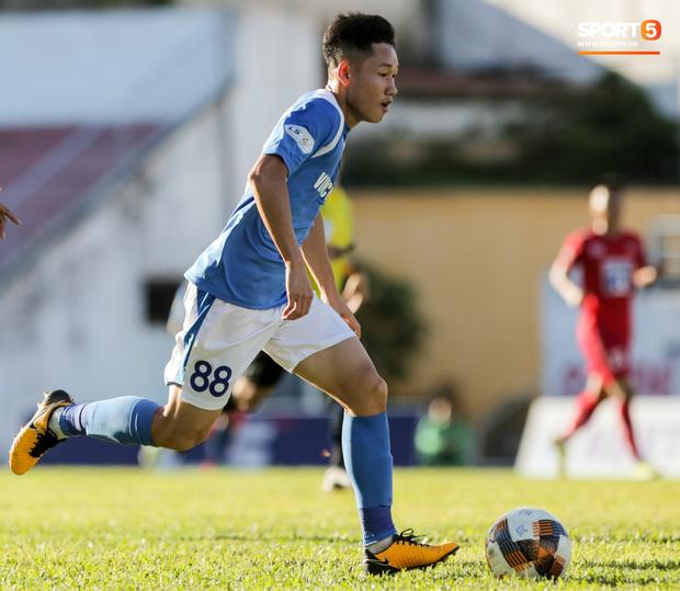 Với những gì đã thể hiện, Hai Long được đánh giá sẽ lọt vào tầm ngắm của HLV Park Hang-seo và các cộng sự. Đội tuyển quốc gia là mục tiêu chưa thể vươn đến nhưng đội U23 Việt Nam thì hoàn toàn có thể. Anh được kỳ vọng sẽ là nhân tố chủ chốt ở tuyến giữa, hướng tới SEA Games 2021 và VCK U23 châu Á 2022.