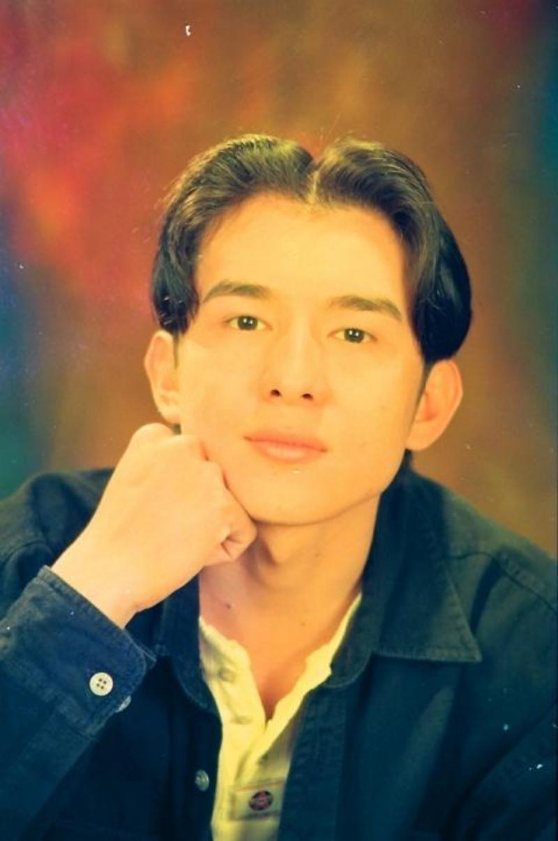 Thời anh làm điên đảo bao trái tim thiếu nữ, là chàng trai vàng của làng nhạc Việt.