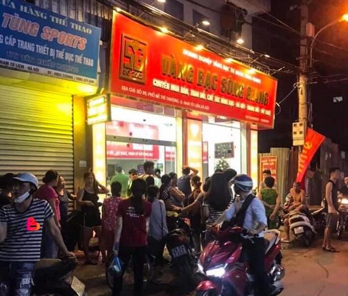Tiệm vàng xảy ra vụ cướp ở phố Mễ Trì Thượng, quận Nam Từ Liêm, Hà Nội