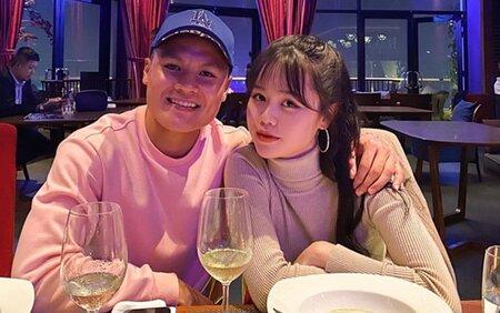 Quang Hải công khai yêu Huỳnh Anh trên mạng xã hội.