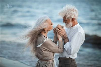Bí quyết để có hôn nhân tốt nhất chính là cuộc tình giữa bà vợ mù tạm thời, với ông chồng điếc tạm thời khi vợ nói nhiều. Ảnh minh họa.
