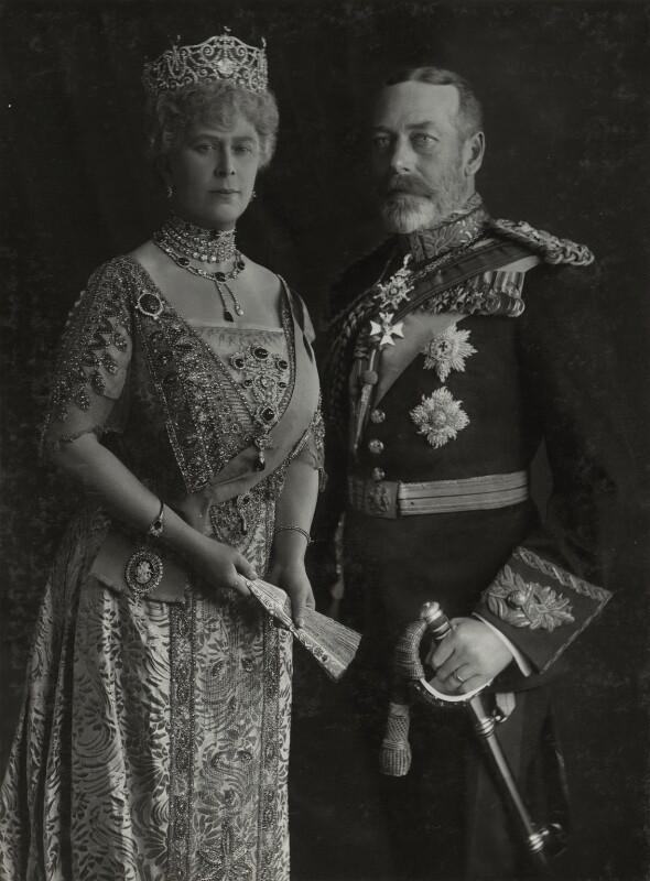 Vua George V và Hoàng hậu Mary.