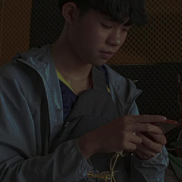 Mikuuu - đội trưởng của Quan Hệ Team có chút buồn và tiếc nuối sau trận Chung kết
