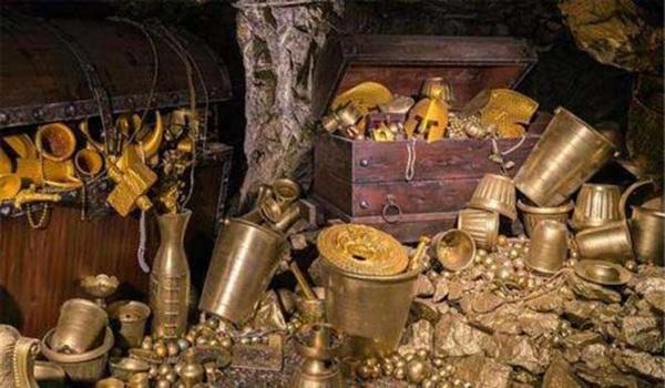 Của cải châu báu trong mộ Từ Hy Thái Hậu.