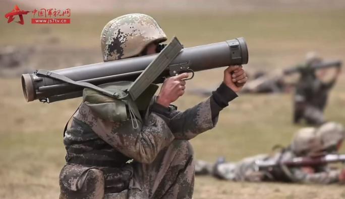 Binh sĩ Trung Quốc tham gia tập trận bắn đạn thật ở Tây Tạng ngày 17/6, hai ngày sau cuộc đụng độ với Ấn Độ ở Himalaya. Ảnh: SCMP