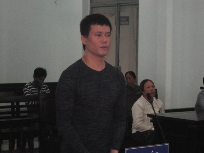 Ảnh: Bị cáo Nguyễn Hữu Hùng tại tòa.