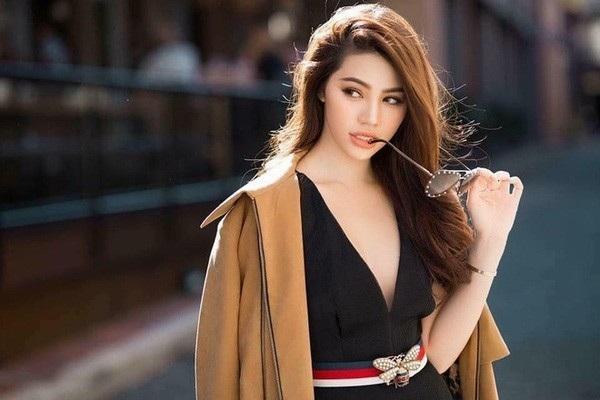 Jolie Nguyễn đăng quang Hoa hậu người Việt tại Australia năm 2015 nên lập tức bị dư luận nghi ngờ