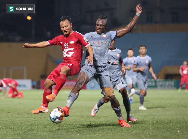 Thầy Park cho rằng những cái tên quen thuộc ở hàng thủ ĐT Việt Nam như Ngọc Hải, Tiến Dũng, Trọng Hoàng, Văn Thanh đều đang chơi tốt dần lên qua từng vòng đấu.
