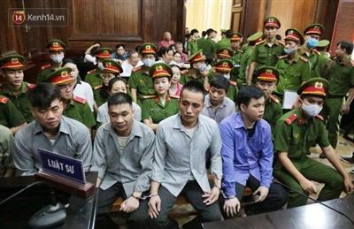 Các bị cáo Quân, Dương, Mang, Huy trong phiên tòa sơ thẩm.