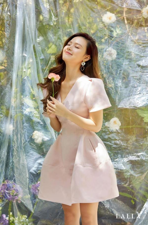 Midu trải lòng giữa lúc tình yêu của Hương Giang bị 'soi mói': 'Bạn bỗng nhiên trở thành cô gái đáng thương trên chiến tích của 1 cô gái nào đó' 1